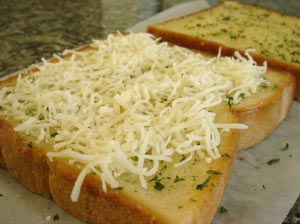 garlictoast5 300x224 Garlic Cheese Toast Recipe