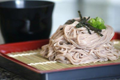 Soba with dipping sauce