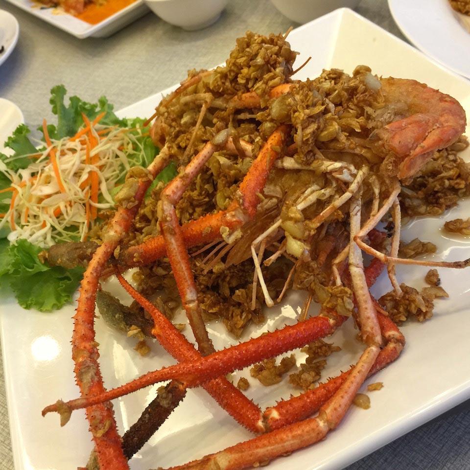 Fried Garlic Prawns - Somboon