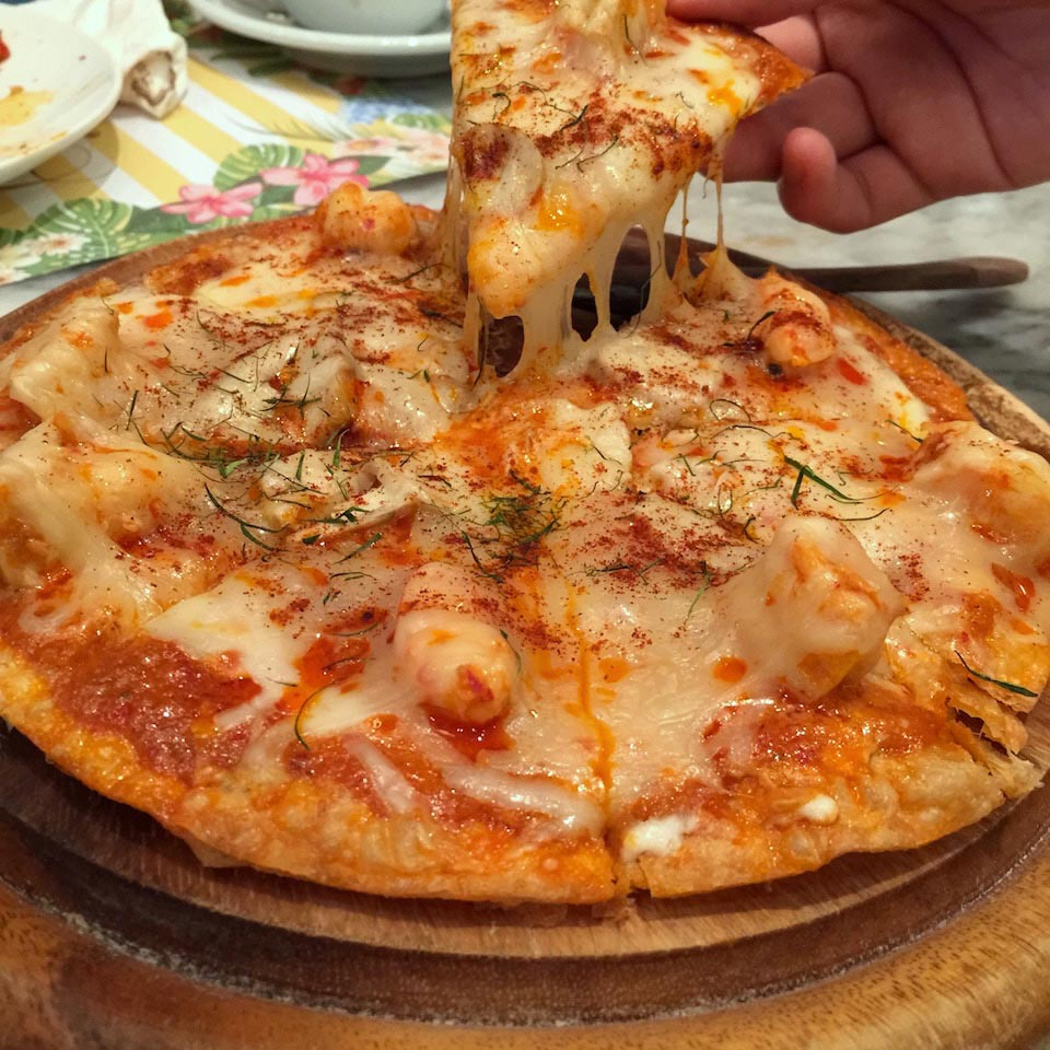 tom yum kung pizza