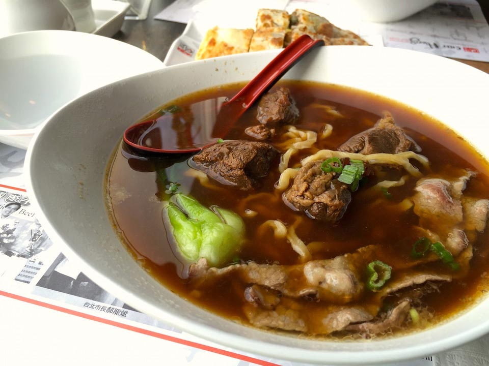 Championship braised beef with noodles in spicy soup
